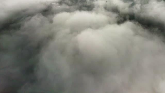 flygvy ovanför molnen och himlen - ängel bildbanksvideor och videomaterial från bakom kulisserna