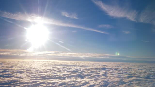 Vista aérea acima das nuvens