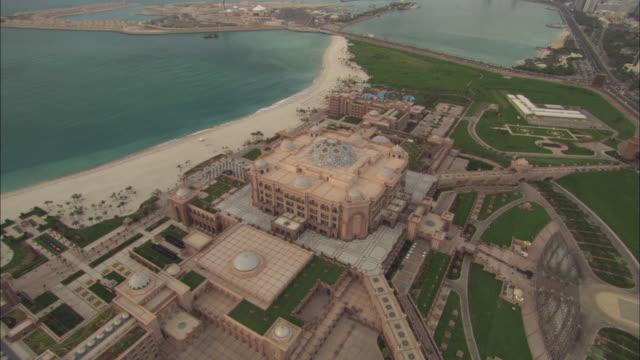 Aerial view Ahbu Dabi, Palace Hotel, sun setting, Abu Dhabi, United Arab Emirates