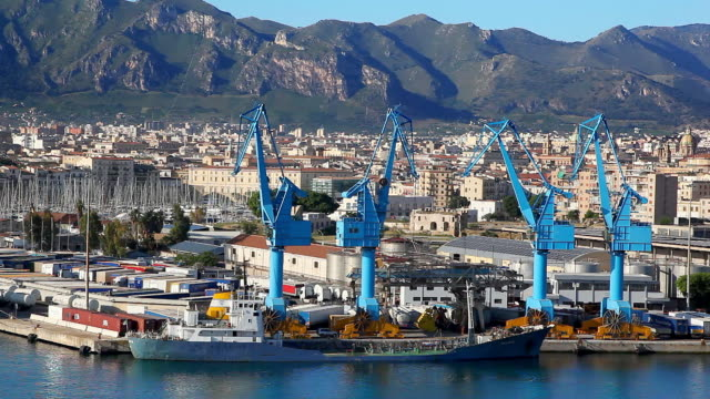 vidéos et rushes de aerial view and panorama of sea port and city of palermo in italy - port