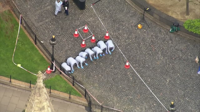 aerial view and wide shot of forensic police searching for evidence after the westminster terror attack - city of westminster london stock videos & royalty-free footage