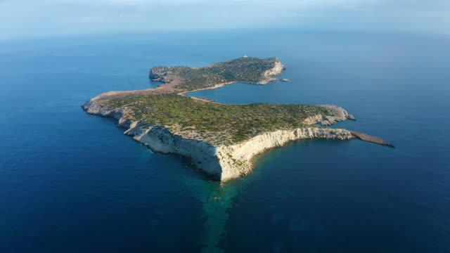 風光明媚なバレアレス諸島周辺の航空写真。 - イビサ島点の映像素材/bロール
