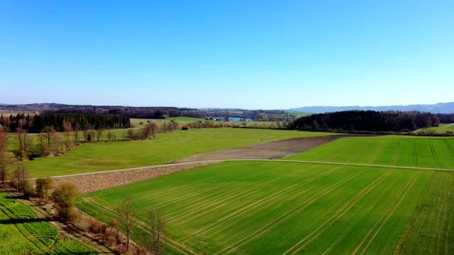 空中写真:春のバイエルンの風景 - ベルヒテスガーデナーランド点の映像素材/bロール