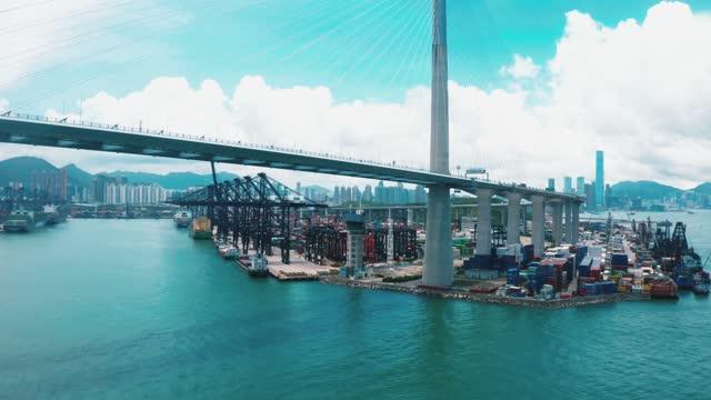 vista aerea ponte e porto - largo descrizione generale video stock e b–roll