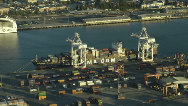 aerial view cargo ship docked fremantle harbor perth - フリーマントル点の映像素材/bロール