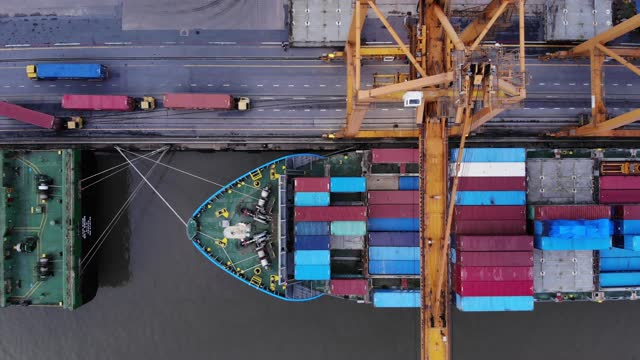 aerial view / cargo ship parked in port to load containers - bangkok stock videos & royalty-free footage