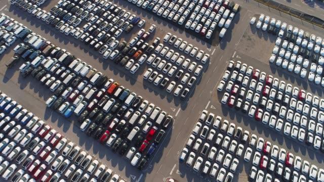 ポート倉庫の外に駐車 ws 空中ビュー車, スロベニア - 繁栄点の映像素材/bロール