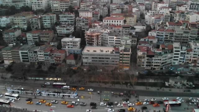vídeos de stock, filmes e b-roll de vista aérea cidade vida istambul tráfego - yellow taxi