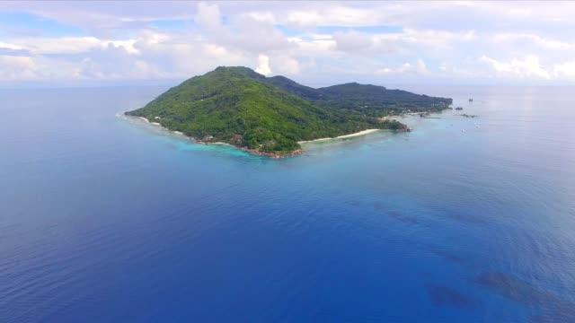 Vue aérienne: littoral de La Digue Island, Seychelles