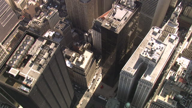stockvideo's en b-roll-footage met luchtfoto downtown manhattan - financiële district, new york, verenigde staten - wall street lower manhattan