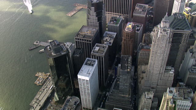 vídeos de stock, filmes e b-roll de vista aérea da baixa manhattan - financial district, nova iorque, eua - wall street