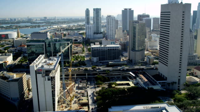 stockvideo's en b-roll-footage met aerial view downtown miami city financial business district - biscayne bay