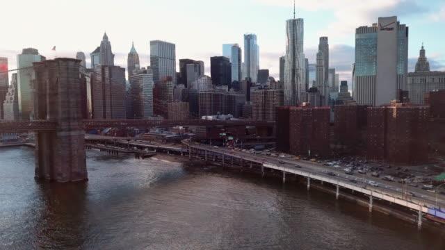 aerial view downtown new york - manhattan brücke stock-videos und b-roll-filmmaterial