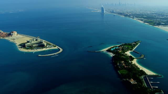 vídeos y material grabado en eventos de stock de aerial view dubai coastline - dubái