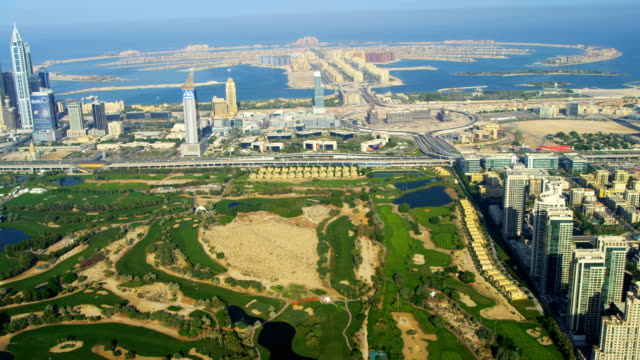 stockvideo's en b-roll-footage met aerial view emirates golf club, dubai - perzische golf