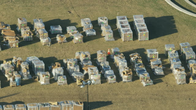vídeos de stock, filmes e b-roll de aerial view fema depot emergency supplies florida hurricane - 2018