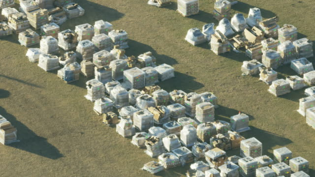 stockvideo's en b-roll-footage met aerial view fema depot emergency supplies florida hurricane - gulf coast states