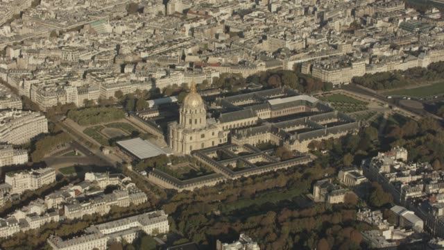 aerial view flying around the invalides in paris france, daytime - formal garden stock videos & royalty-free footage