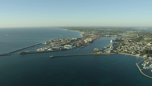 aerial view fremantle harbor cargo port perth coastline - フリーマントル点の映像素材/bロール