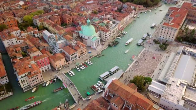 aerial view from drone top view of grand canal with old tradition building of venice italy - stazione video stock e b–roll