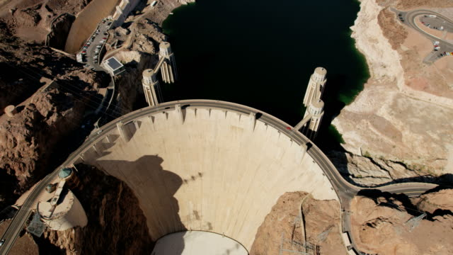 aerial view hoover dam in nevada arizona usa - dam stock videos & royalty-free footage