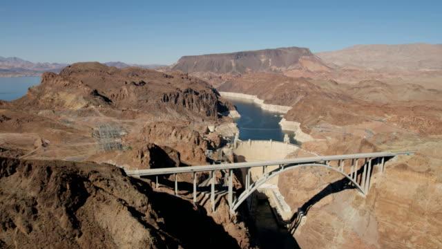 aerial view hoover dam lake mead las vegas - hydroelektrisk kraft bildbanksvideor och videomaterial från bakom kulisserna