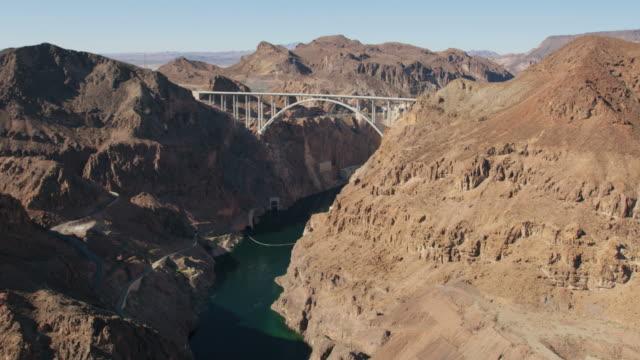 aerial view hoover dam lake mead las vegas - lake mead video stock e b–roll