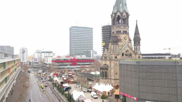 aerial view kaiser wilhelm memorial church in berlin - 西ドイツ点の映像素材/bロール