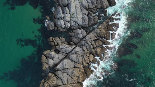 vídeos de stock e filmes b-roll de aerial view, la ballena, sonabia, castro municipality, cantabrian sea, cantabria, spain, europe - ecoturismo