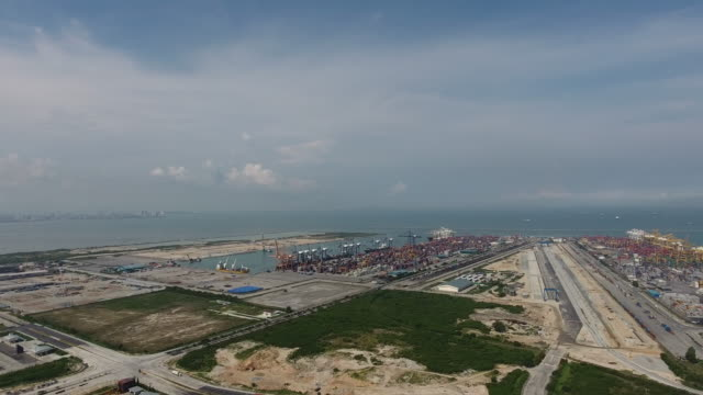 vídeos y material grabado en eventos de stock de vista aérea puerto laemchabang. - embarcación de pasajeros
