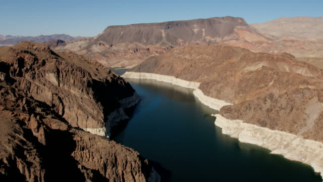 aerial view lake mead reservoir in nevada arizona - lake mead video stock e b–roll