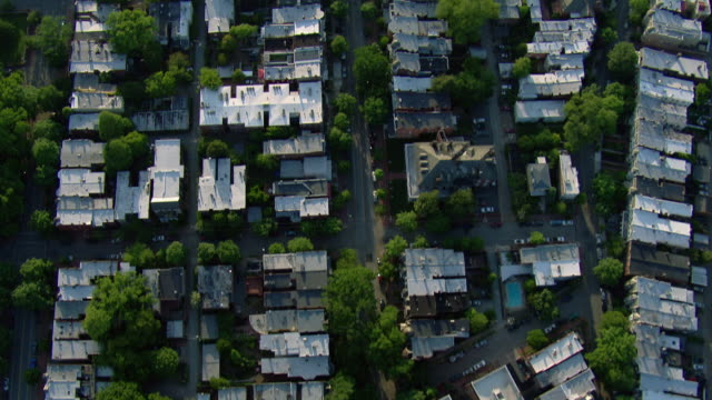 aerial view looking down at suburban housing development, richmond, virginia, united states of america. - バージニア州 リッチモンド点の映像素材/bロール