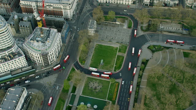aerial view marble arch in covid19 lockdown london - arch stock videos & royalty-free footage