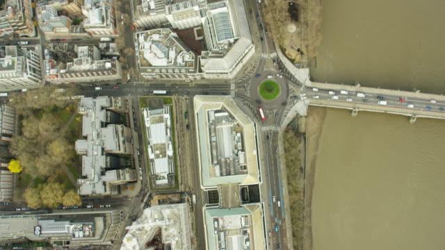 aerial view mi5 building and river thames london - イギリス情報局保安部点の映像素材/bロール