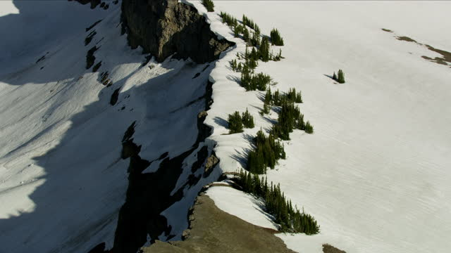 aerial view mount moran grand teton mountain range - mt moran stock videos & royalty-free footage