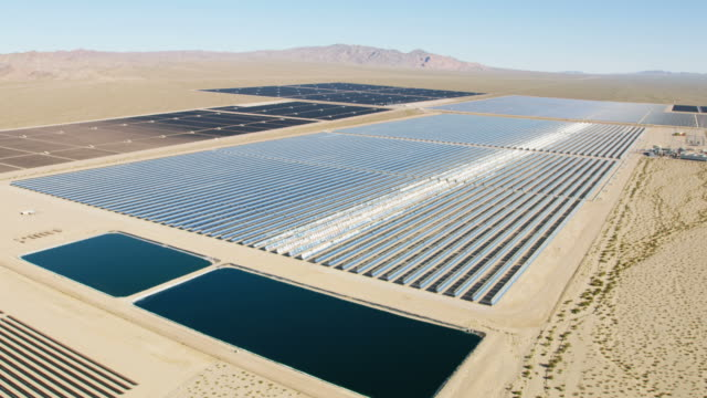 aerial view nevada solar one photovoltaic power station - nevada stock-videos und b-roll-filmmaterial