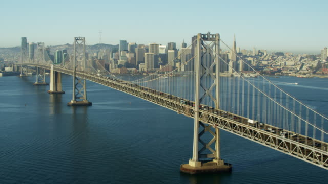 vídeos de stock e filmes b-roll de aerial view oakland bay bridge san francisco california - san francisco oakland bay bridge