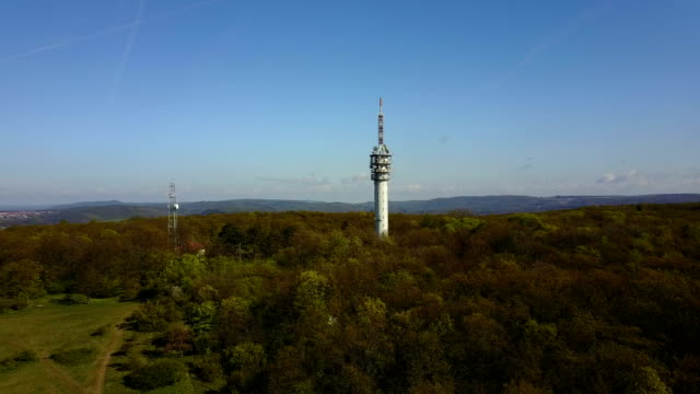 aerial view of 4g 5g lte telecommunication tower - mast stock videos & royalty-free footage