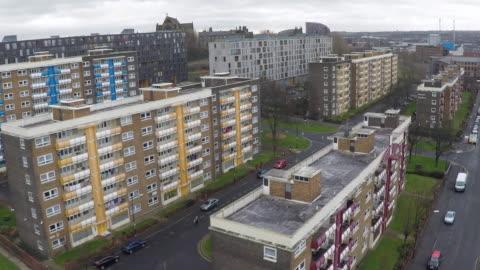 vidéos et rushes de aerial view of a council estate - hlm