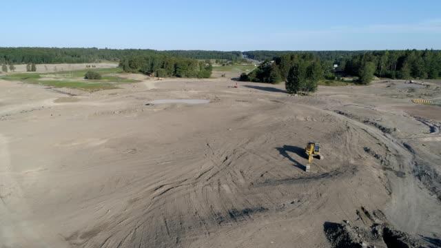 Flygfoto över en golfbana i konstruktion