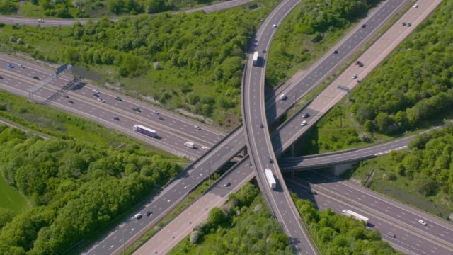 aerial view of a motorway junction m25 m40, uk. 4k - m25 video stock e b–roll