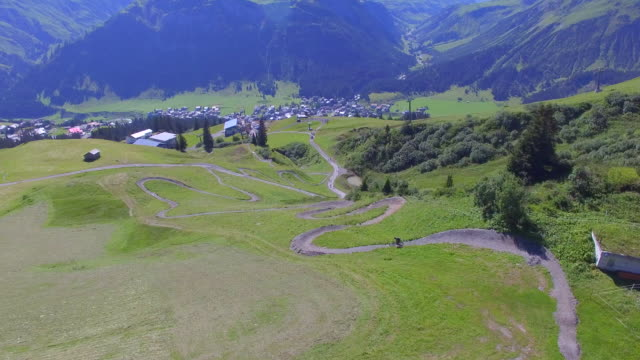 aerial view of a mountain biker on a scenic singletrack trail. - time-lapse - goodsportvideo stock videos and b-roll footage