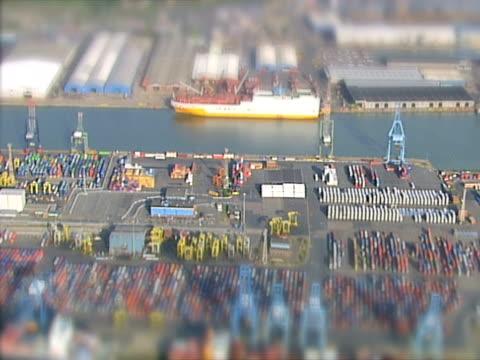 vídeos y material grabado en eventos de stock de vista aérea de un puerto puerto. ntsc, pal - export palabra en inglés