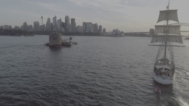 aerial view of a sailing boat passing fort denison on sydney harbour. sydney australia - sailing boat stock videos & royalty-free footage