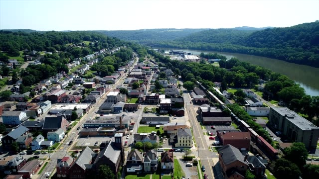 aerial view of a small town of freeport pennsylvania - pennsylvania stock videos & royalty-free footage