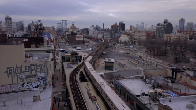 vídeos de stock, filmes e b-roll de aerial view of a subway - brooklyn new york