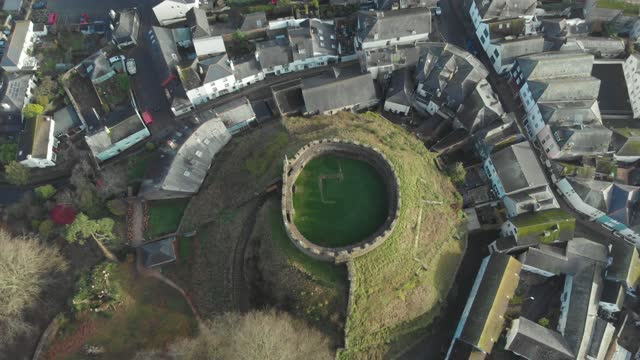 aerial view of ancient castle ruins in totnes, devon, uk - ancient stock videos & royalty-free footage