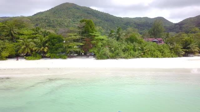 aerial view of baie sainte anne - praslin - seychelles - pjphoto69 stock videos & royalty-free footage