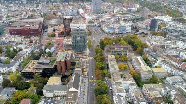 flygfoto över basel stadsbilden i schweiz - läkemedelsfabrik bildbanksvideor och videomaterial från bakom kulisserna