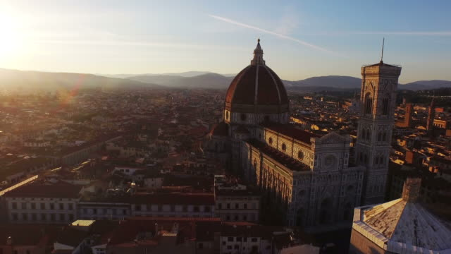 aerial view of basilica di santa maria maggiore at firenze - florenz italien stock-videos und b-roll-filmmaterial
